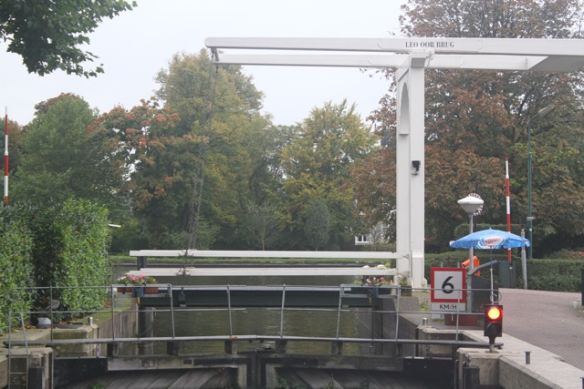 Leo Oor bridge, 13 October 2012