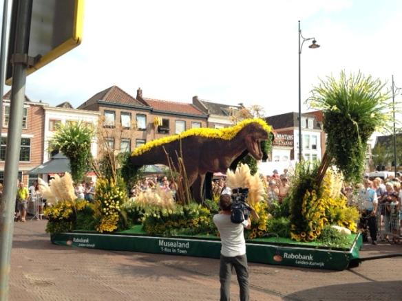 Tyrannosaurus rex float, Beestenmarkt, 26 August 2016