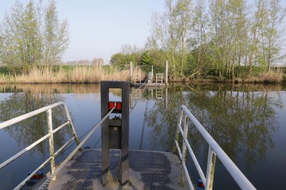 IJsvogel ferry, 9 April 2017