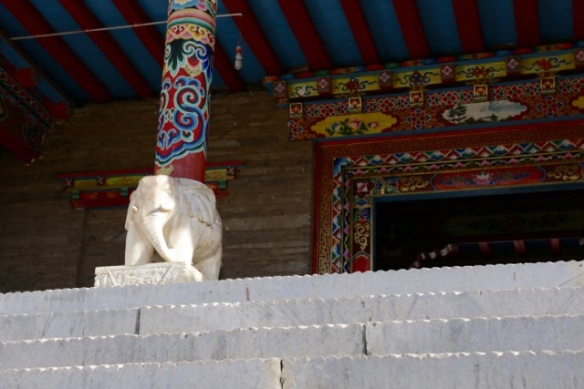 Pamuling monastery, elephant, 3 April 2018