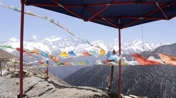 Prayer flags and snow, on 8 April 2018